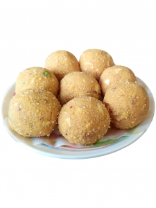 Besan Dry Fruit Laddoo (Meghraj Sweets, Chandni Chowk)